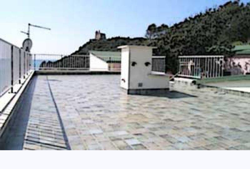 Balconi Aggettanti Chi Paga Le Spese Quotidiano Del Condominio